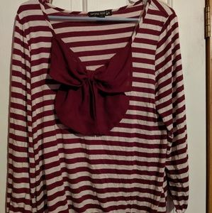 Maroon longsleeve with bow